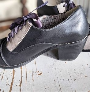 Restricted Shoes - Restricted Retro Leather Ribbon Heels